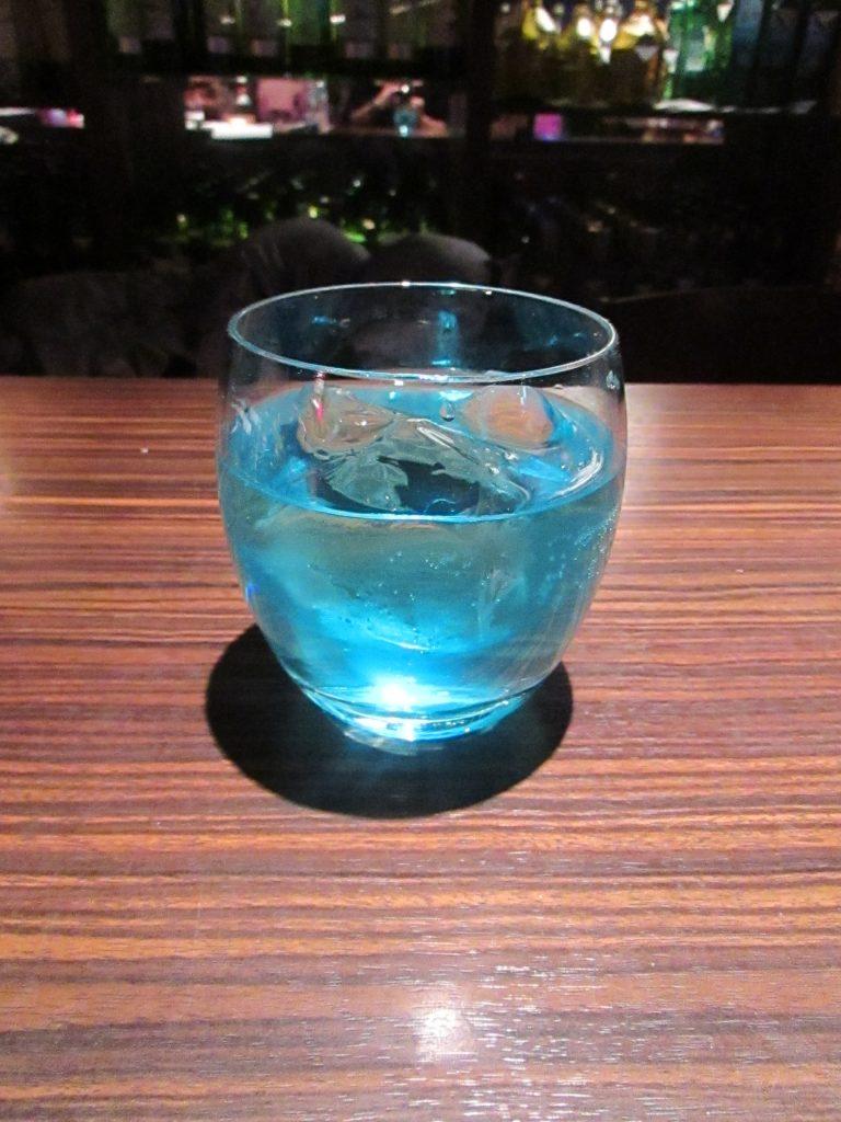ブルーアイズブルー